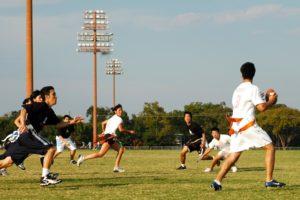 Partido de Fútbol bandera disputado en la Universidad de Texas en Austin